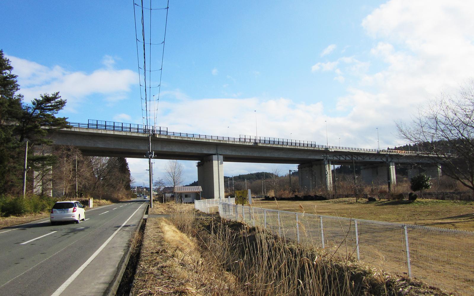 市川跨線橋